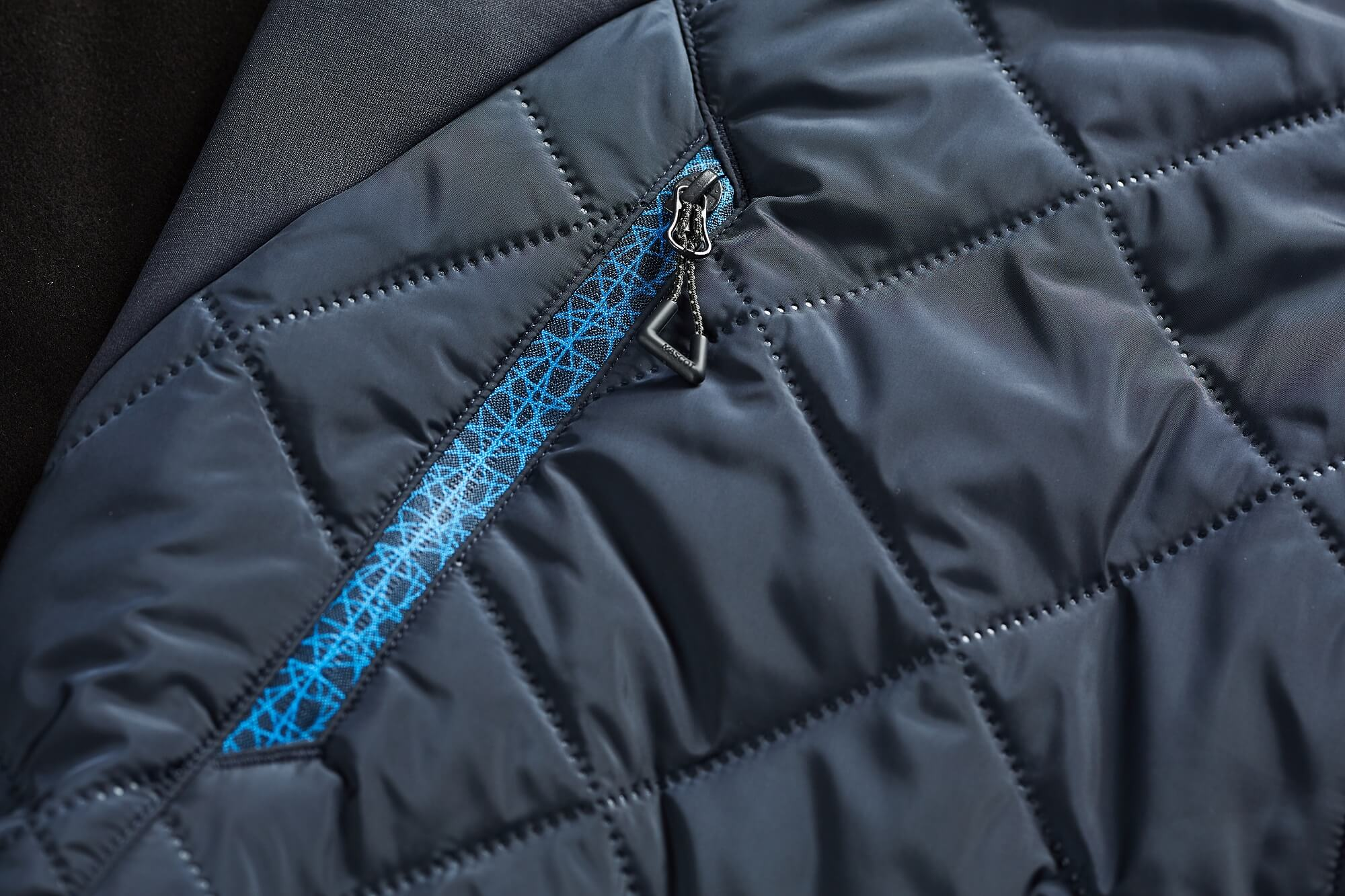 Dunkelblau - Detail - MASCOT® ACCELERATE - Thermokleidung